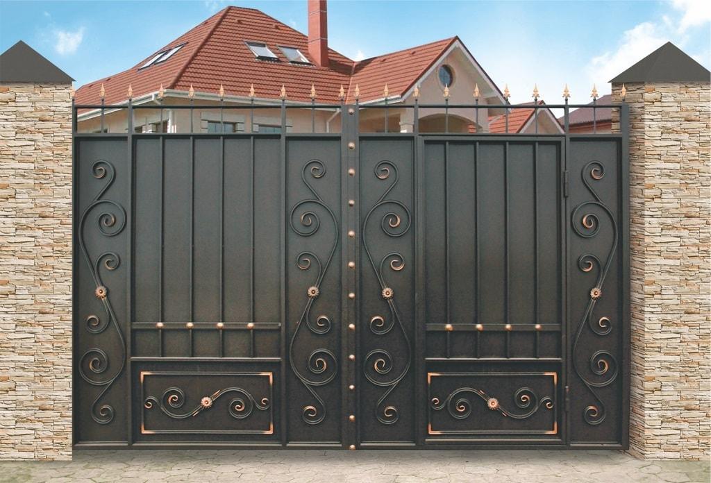 Ворота «Классика» со встроенной калиткой
